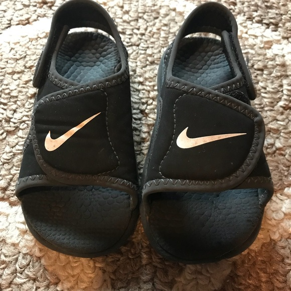 9143ced44747 ... reduced nike velcro sandals toddler size 8 ff7fd 43ac2 ...